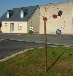 CD-hangers aan standaard Saint Hilaire du Harcouet (714x750)